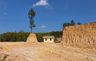 Quảng Nam: Chính quyền xã tự ý múc hàng ngàn khối đất rừng phòng hộ