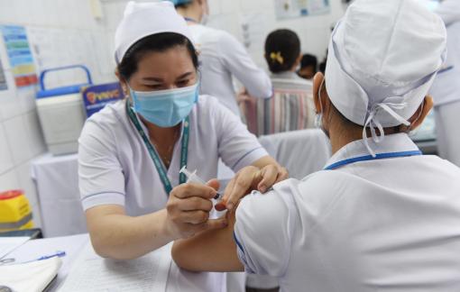 10 nhóm đối tượng ưu tiên tiêm miễn phí vắc-xin COVID-19 ở TPHCM