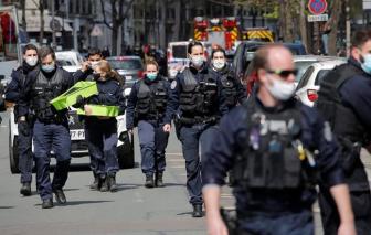 Xả súng ở bệnh viện tại Paris