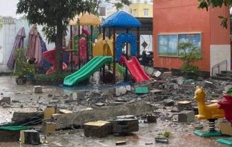 Một khối bê tông bất ngờ rơi xuống sân trường mầm non ở quận 4