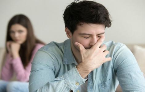 Đàn ông hậu ly hôn: 24 giờ không còn vợ đã hối hận