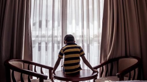 """""""Cuộc chiến"""" giành con khi ly hôn: Có ai biết đứa trẻ - nạn nhân của việc giành con nghĩ gì?"""