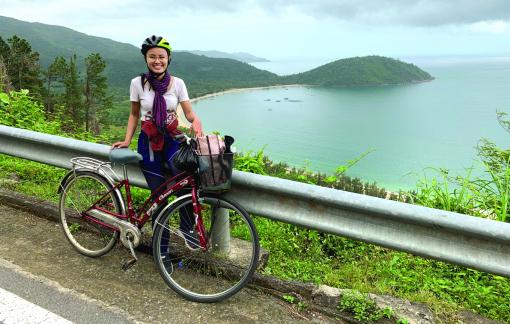 Cô MC hai lần đạp xe xuyên Việt: Yêu cũng như đi xe đạp, chậm rãi và không phán xét