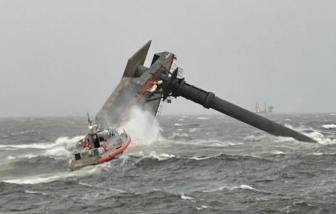 12 người mất tích sau vụ lật thuyền ngoài khơi ở Mỹ