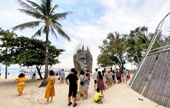 Đón du khách quốc tế bằng tour khép kín