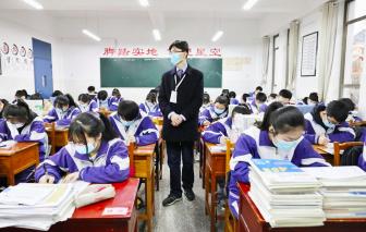 Trung Quốc cấm giáo viên yêu học sinh