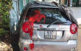 Xe của cán bộ cơ sở cai nghiện Bình Triệu bị tạt sơn