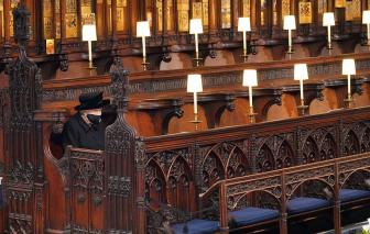 Nữ hoàng Anh lặng lẽ từ biệt Hoàng thân Philip