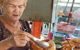45 năm bán bánh mì Chắc Cà Đao