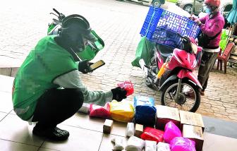 Ngăn hàng cấm lọt qua dịch vụ giao hàng nhanh