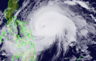 Tối 18/4, tâm siêu bão Surigae cách bờ biển miền Trung Philippines khoảng 380km