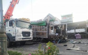 Xe tải tông vào dòng xe đang chờ đèn đỏ trên Quốc lộ 1A