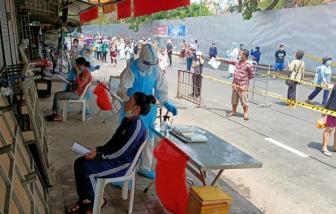 """COVID-19 bùng phát mạnh, Campuchia vạch ra 3 """"vùng đỏ"""""""