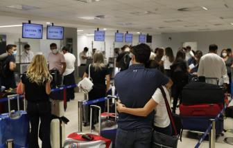 Giới nhà giàu Mỹ Latinh đổ xô đến Mỹ để tiêm vắc-xin COVID-19