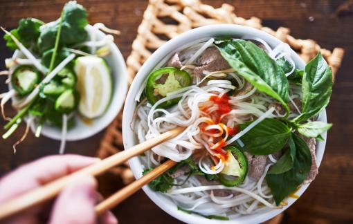 """Phở Việt Nam là một trong những món """"phải thử một lần trước khi chết"""""""
