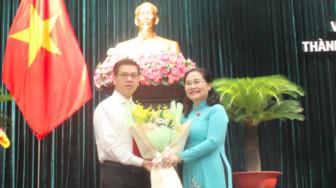Chủ tịch UBND quận 1 giữ chức Phó chủ tịch HĐND TPHCM khóa IX
