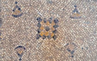 Israel khai quật tranh khảm 1.600 năm