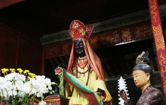 Bên trong chùa Dâu - trung tâm Phật giáo cổ xưa nhất Việt Nam