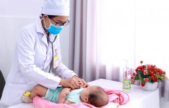 """Cần Thơ: Một trẻ sơ sinh """"mơ hồ về giới tính"""" mắc nhiều bệnh lý"""
