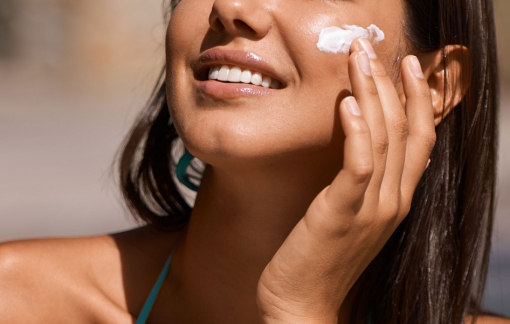 Cách chọn kem chống nắng cho nàng da nâu