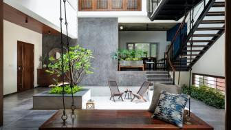 Làm mới ngôi nhà sau những năm tháng cũ