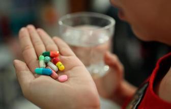 Bé 10 tuổi sốc phản vệ sau khi gia đình tự cho uống thuốc trị ho