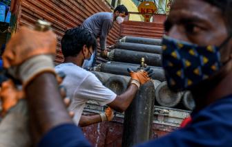 """Thiếu hụt oxy, bệnh viện tại Ấn Độ rơi vào """"vòng xoáy tử thần"""""""