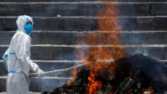 Sau Ấn Độ, đến lượt Nepal rơi vào thảm cảnh người chết không kịp thiêu