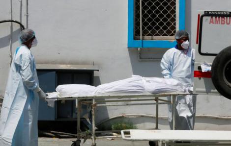 Ấn Độ tăng số tử vong chưa từng thấy: Hầu hết mọi nhà đều có người chết