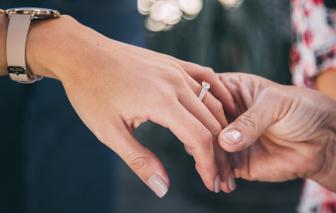Diễn đàn Có nên ly hôn tuổi xế chiều?: Ly hôn thì quá dễ, sống với nhau mới khó
