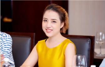 """Jolie Nguyễn: """"Trước khi thành chuyên gia phun xăm thẩm mỹ tôi từng muốn bỏ nghề"""""""