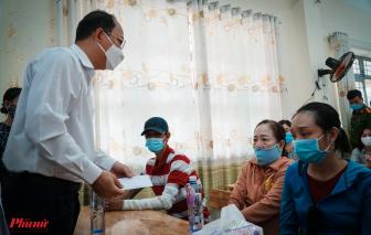 Lãnh đạo TP thăm và động viên tinh thần gia đình bị hỏa hoạn làm 8 người chết