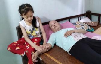 Con chỉ ước là mẹ mau hết bệnh để còn đưa chị em con đi học