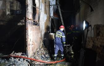 Xem xét dấu hiệu tội phạm trong vụ cháy làm 8 người chết