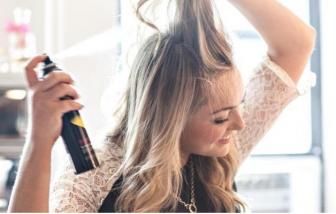 Cách dùng dầu gội khô để có mái tóc bồng bềnh