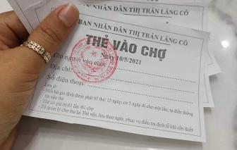 Lần đầu tiên người dân thị trấn Lăng Cô đi chợ bằng tem phiếu