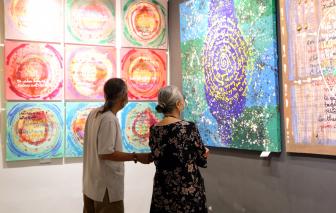 Vợ chồng nghệ sĩ U80 và những bức tranh kích cỡ khủng