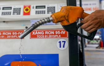 Giá xăng lên mức cao nhất trong hơn một năm
