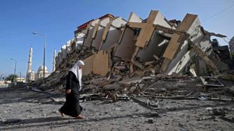"""Cuộc sống """"màn trời chiếu đất"""" của người dân dải Gaza sau 3 ngày mưa bom bão đạn"""