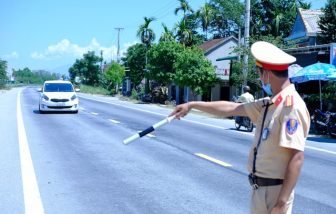 Quảng Ngãi dừng vận tải hành khách đến vùng dịch, lập chốt kiểm tra người vào tỉnh