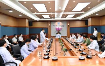 Thủ tướng kiểm tra công tác phòng chống dịch của bệnh viện tại TPHCM