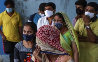 Ấn Độ rộ làn sóng bài trừ vắc-xin mặc số người chết vì COVID-19 tiếp tục gia tăng