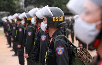 Hà Nội cử 300 Cảnh sát cơ động đến Bắc Giang hỗ trợ phòng chống COVID-19