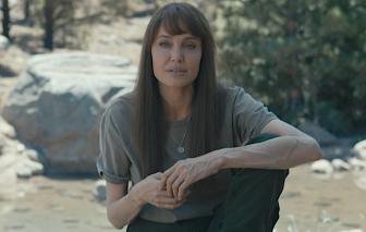 Phim mới của Angelina Jolie thất bại bất ngờ