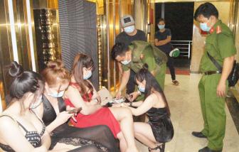 Bình Dương: Quán karaoke đón gần 100 khách rồi khoá cửa cuốn, 13 người dương tính với ma tuý