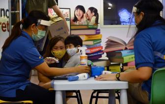 Singapore đóng cửa trường học khi số ca mắc COVID-19 gia tăng báo động