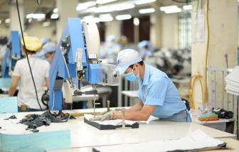 Kiến nghị ưu tiên tiêm vắc-xin cho công nhân dệt may