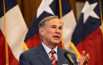 Thống đốc Texas cấm yêu cầu bắt buộc đeo khẩu trang