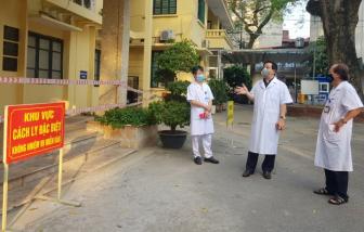 Vợ của nhân viên tại Bệnh viện Phổi Trung ương dương tính với SARS-CoV-2