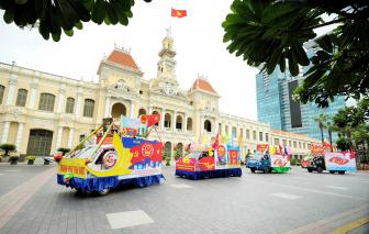 Diễu hành xe tuyên truyền lưu động chào mừng ngày bầu cử